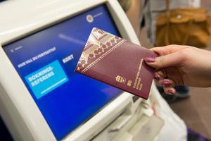 Det är många som kommer till Avesta för att få pass (Bilden är inte tagen i Avesta).Foto: Fredrik Sandberg / TT