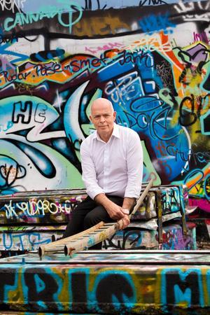 Under Carl-Magnus Gagges ledning utforskade länsmuseet den starkt ifrågasatta graffitin som konstform och fann att Västerås var en viktig stad för dess utveckling.