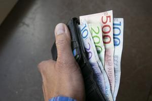 Polisen uppmanar att se upp med falska sedlar.