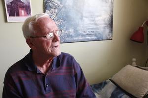 """""""Jag trodde inte jag hade gåvan att studera. Men min chef bedömde mig rätt, och jag blev tydligen en bra arbetsledare"""", säger Rune Moen som jobbade på stålverket i Söderfors en stor del av sitt liv."""