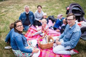 Annakarin Martinsson, Ronny Bylund Tina Frykman och Elmer, Waldor, Joel, Ingrid och Jonerik Bylund.