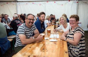 Roger Davidsson, Joel Mohlén, Annica Westerberg och Eva Mohlén har besökt ölfestivalen i alla fem år.