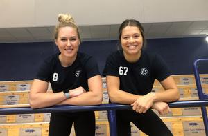 Både Samantha Hanson och Emma Woods hoppas att fler supportrar hittar till arenan i vinter: