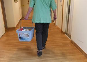 Efter två år är eleverna färdiga vårdbiträden och kan gå direkt ut i arbetslivet eller välja att studera vidare.Foto: Fredrik Sandberg / TT
