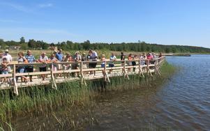 Invigningen av den drygt 400 meter långa spången, med tillhörande fika, lockade många besökare.