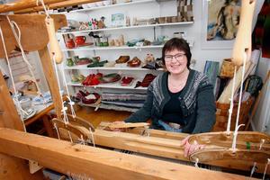 På Ljungdalens Hemslöjd har kyrkomusikern Anne-Marie Lidberg Andersson numera sin arbetsplats. Foto: Bengteric Gerhardsson