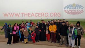 Några av de 43 som släpptes fria av IS på måndagen i östra Syrien.