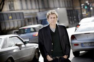 Professor Magnus Söderlund, expert på lojalitetsfrågor, ser tydliga mönster med Saabägarnas funderingar.