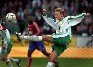 Peter Markstedt i matchen där Hammarby mer eller mindre säkrade SM-guld, år 2001.