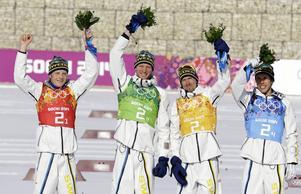 Lars Nelson, till vänster, med OS-guldet i stafett från Sotji som höjdpunkt, har nu valt att lägga skidorna på hyllan. Två andra OS-guldhjältar, Johan Olsson, och Daniel Richardsson, lämnar också landslaget. Kvar där av guldkvartetten från Sotji är nu endast Marcus Hellner.