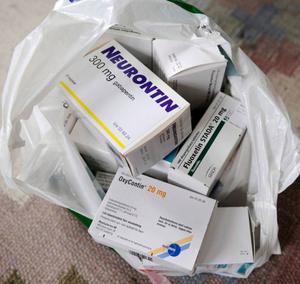 Släng aldrig mediciner i  soporna.