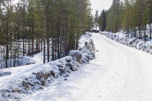 Vägarna i Haraldsåsen är enligt kommunen för dåliga för sopbilarna.