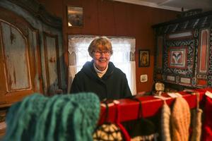 Sonja Tapper från Nederhögen sålde stickat samt vävda mattor.