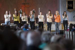 De åtta rösterna i N'harmony skapade tillsammans finstämd gospel.