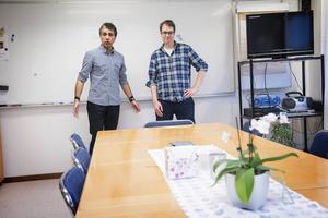 Umeå spelberoendeförening drar i gång verksamhet i Örnsköldsvik. Varannan måndag håller Omid Rezvani och Oskar Vesterberg självhjälpsmöten här.