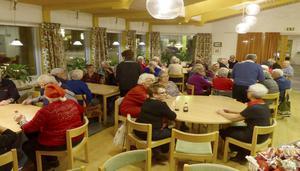 Julgröt stod på menyn när PRO Torvalla hade sitt senaste möte. Foto: Ulla Eriksson.