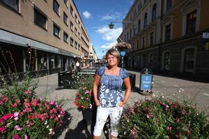 Ulla Andersson har en intensiv period framför sig. Hon ska inte bara sy ihop en alternativ statsbudget, utan även hinna besöka en rad partidistrikt som bett att få träffa henne.