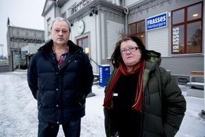 Paret Pär och Ingrid Birgersson är besviken på Härnösands kommun och överväger nu att stämma kommunen.