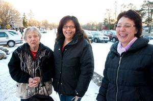 Iris Persson, Anneli Persson och Elisabet Sveding från Tandsbyn var inne och nyårshandlade i Brunflo häromdagen.