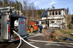 Huset var ytterst nära att bli övertänt och brinna upp.