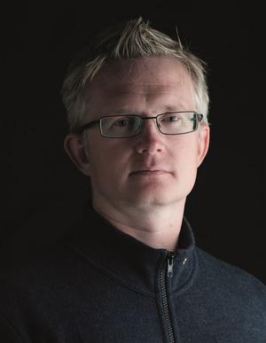 Lars Wilderäng har fått upp intresset för prepping med sina böcker som beskriver samhällets kollaps. Det viktigaste av allt för att vara förberedd tycker han är kunskap: