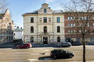 Altinska skolans restaurangverksamhet i fastigheten på Skolhusallen riskerar nedläggning.