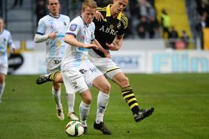 Martin Rauschenberg har imponerat under sin första säsong i allsvenskan. Nu ska den danske mittbacken stoppa allsvenskans hetaste spelare – Henok Goitom.