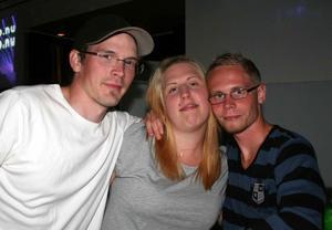 Pluto. Tommy, Veronika och Pettson