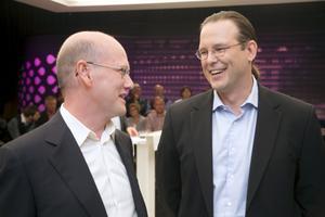 Bör komma överens. Thomas Östros (S) och Anders Borg (M) bör enas om ett enklare och mer likformigt skattesystem.