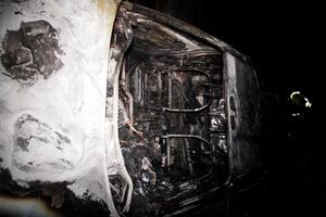 Bilen blev totalt utbränd.