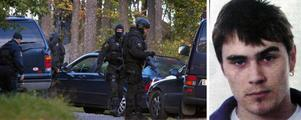 År 2004 gjorde Jardeberg tillsammans med en annan intern ett rymningsförsök från anstalten Bondängen i Mariefred.