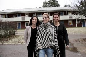 Jenny Björk, enhetschef, Lena Frang, undersköterska och skyddsombud, och Linnea Eriksson, vikarierande undersköterska, ska tillsammans se till att sjukfrånvaron minskar.