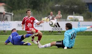 Olle Forsberg var nära att göra mål i första halvlek. Foto: Mikael Stenkvist