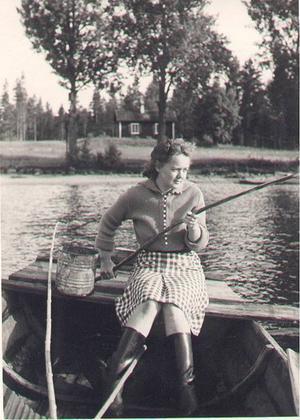 Elsa-Britt Berghagen var Alberts första dotter innan äktenskapet med Lisa Viksten. Elsa-Britt blev bortadopterad till Jämtland 1922.