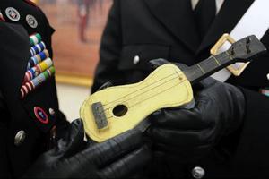 """Picassos gitarr heter """"Pequena Guitarra"""".Foto: ScanpixKevin Rudd, premiärminister och nu även barnboksförfattare. Foto: Scanpix"""