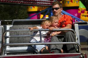 G-kraft. Karusellen snurrade så fort att barnen trycktes mot väggarna. Foto:Björn Westerdahl