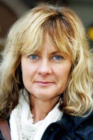 Elisabeth Albertsson,48 år, Hallen:– Nej. Jag jobbar inom omsorgen själv, inom hemtjänsten i Hallen, och där är det bra.