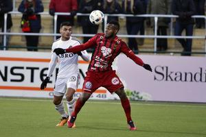 Michael Omoh i hemmapremiären mot AIK. Lämnade senare för spel i Örebro.