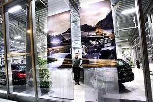 SER FRAMÅT. Simon Green, försäljningschef vid Wikmans bil, tror på ett bra år för bilhandeln 2011.