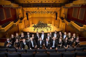 Västerås Sinfonietta räddades men får sin tjänstgöring sänkt från 60 till 50 procent.