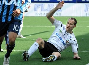 Örebros Kim Olsen missade helt öppet mål.