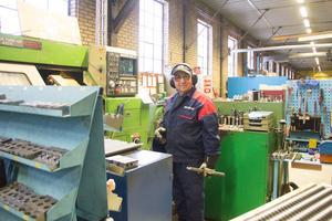 CNC-operatören Abbe Hachicho är en av BGC Plåts cirka 15 anställda.