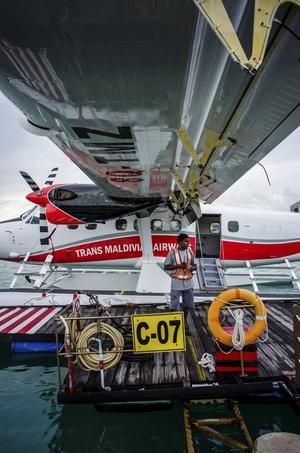 I ett litet sjöflygplan kom vi till vår drömö.