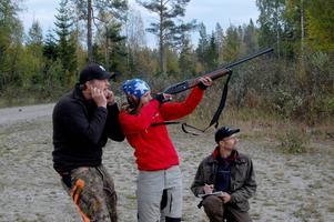 Att öva skytte innan man börjar med jakt är ett måste och just övningsskytte var en stor del av lägret.