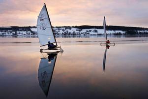Till helgen kommer Storsjön att fyllas av isjakter då både VM och EM arrangeras.