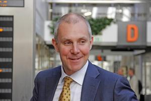 Olof Faxander tillbakavisar kritiken om att hans linje leder till att man blir