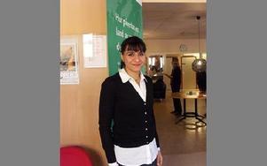 Abir Al-Sahlani har arbetat med att ena liberala partier i Irak och att träna ungdomar i politik.Projekten har drivits med hjälp av Centerpartiets Internationella Stiftelse.FOTO: ANNA ENBOM