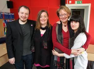Den avgående talespersonen Gudrun Schyman med sina tre efterträdare Carl Emanuelsson, Stina Svensson och Sissela Nordling Blanco vid Feministiskt initiativs (FI) kongress i Malmö på söndagen.
