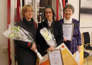 Borlänges kulturpristagare Ebba Bergström, Mona Magnusson och Siv Emanuelsson fick pris för sina insatser inom vävning.