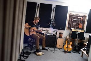 Jimmy Wiltfalk har format sin egen hemmastudio.